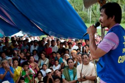 Manny Pacquiao explains his platform to the people.